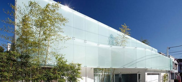 House like a museum, by Edward Suzuki Associates
