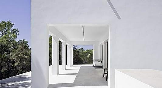 Reforma de una vivienda en la isla de Formentera, por Marià Castelló