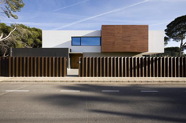 Moderna Casa Unifamiliar Proyectada Por Jaime Sanahuja Y Asociados Interiores Minimalistas