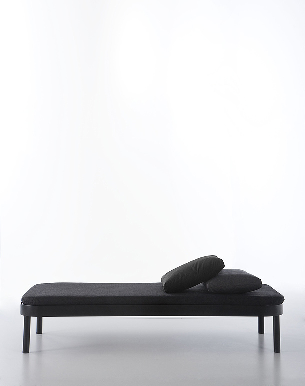gandia blasco y stefan diez presentan la colecci n saint. Black Bedroom Furniture Sets. Home Design Ideas