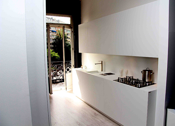 Minimalista cocina de gunni trentino realizada en for Cocinas gunni madrid