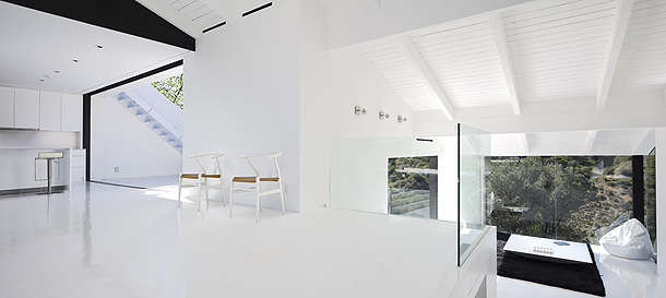 Casa minimalista en las colinas de hollywood por xten for Korean minimalist house
