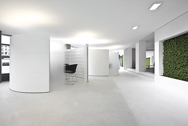 Banco minimalista en hi macs dise ado por giubbini for Ambientes minimalistas interiores
