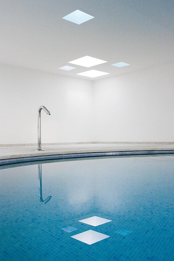 Piscina climatizada y spa en un hotel de Mallorca, por A2arquitectos ...