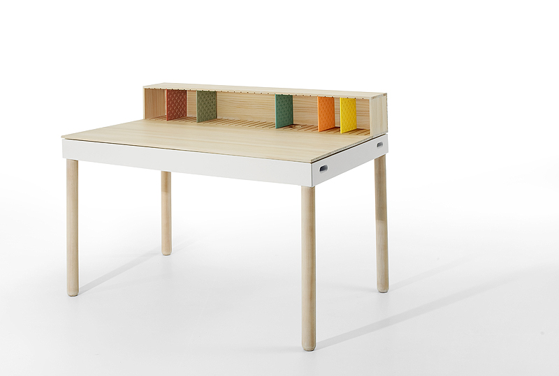 Imasoto-tray-bureau (6)