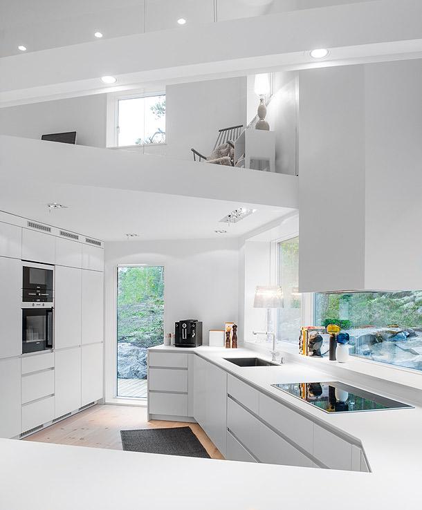 Villa bl b r negra por fuera blanca por dentro de ps for Home decorators altura