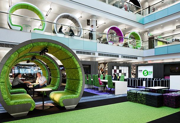 premios-moooi-frame-bbc-north-atrium-pods