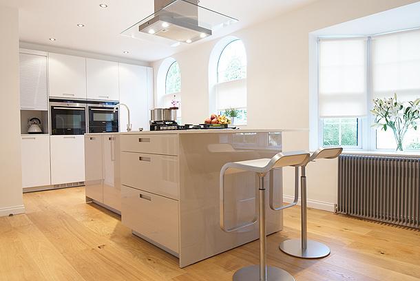 Cocina dise ada por kelvin co con mobiliario santos - Muebles de cocina smith ...