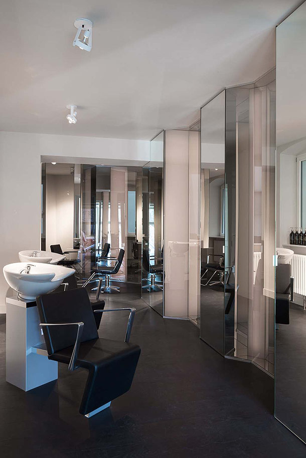 karhard proyecta su segundo sal n para viktor leske. Black Bedroom Furniture Sets. Home Design Ideas