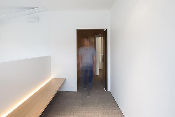 office-square-fiveAM-legio-thomas-de-bruyne (1)