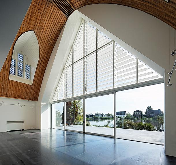casa-en-una-iglesia-ruud-visser-architects (6)