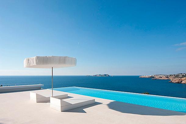 Casa minimalista en ibiza modelada por el arquitecto for Casa minimalista que es