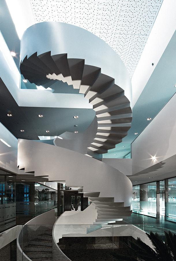 La arquitectura singular de las escaleras del parque for Escaleras arquitectura