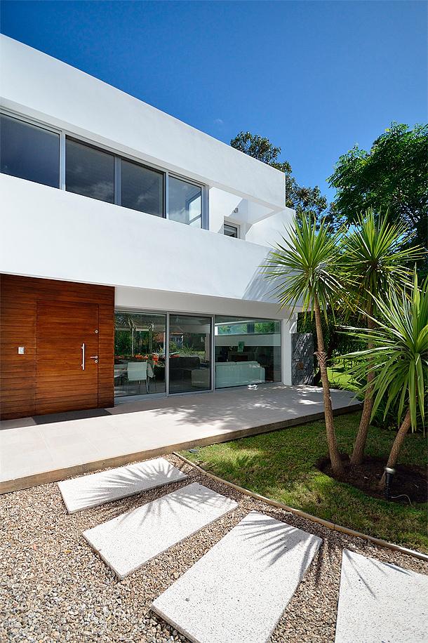 Casa minimalista de madera dise ada y fabricada por canexel - Casas de canexel ...
