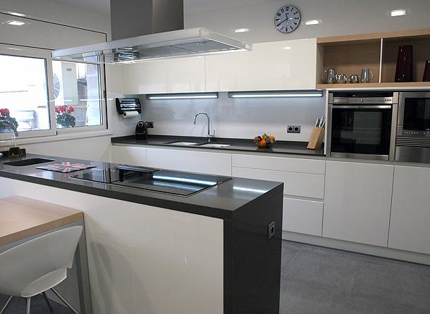 Reforma de una cocina y un ba o por decuina - Reformas de cocinas y banos ...