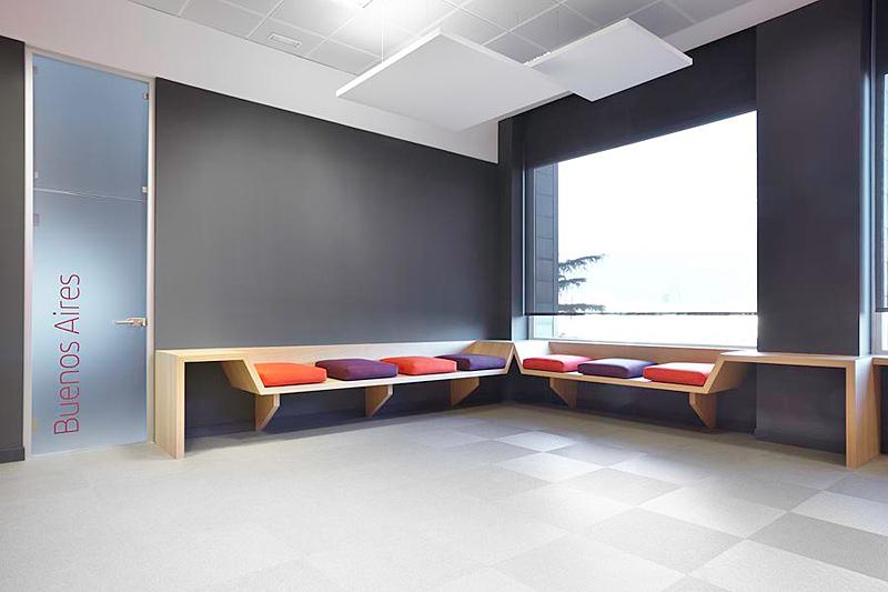Resumen semanal de interiores minimalistas for Oficinas de iberia