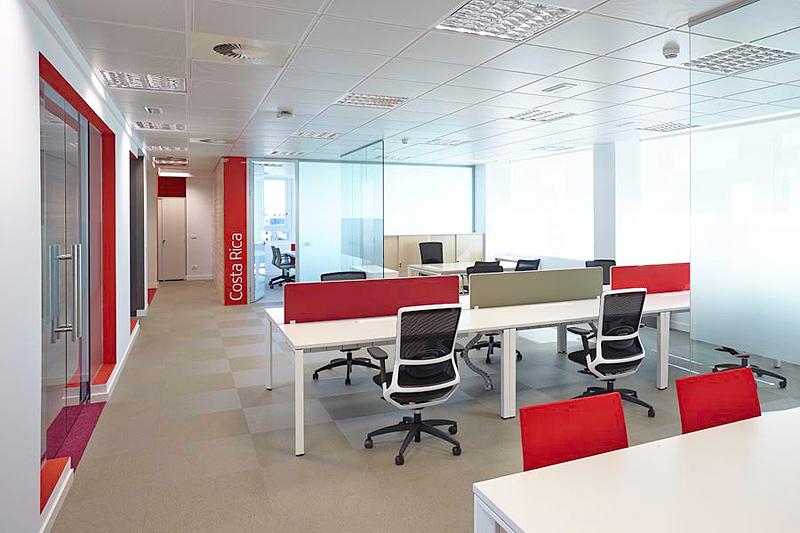 actiu amuebla las nuevas oficinas iberia en madrid
