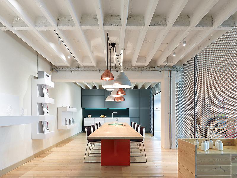 Movet office loft por alexander fehre for Oficinas industriales modernas