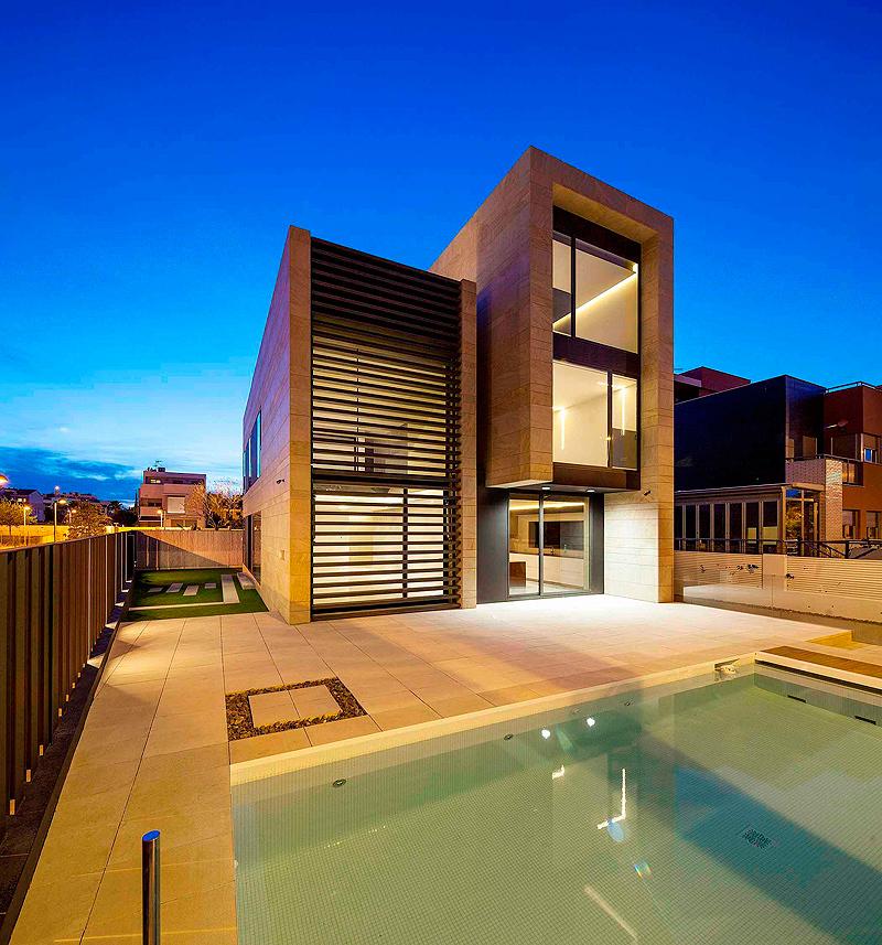 Casa unifamiliar por sanahuja partners for Estilos arquitectonicos contemporaneos