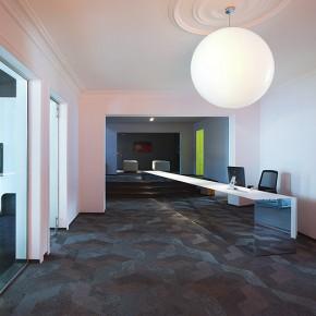 Maurice Mentjens aplica la psicología del color en las nuevas oficinas de Born05