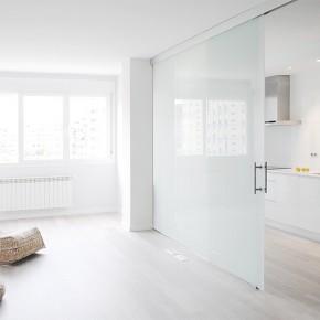 Mayor luminosidad y amplitud para este piso reformado por Interior03