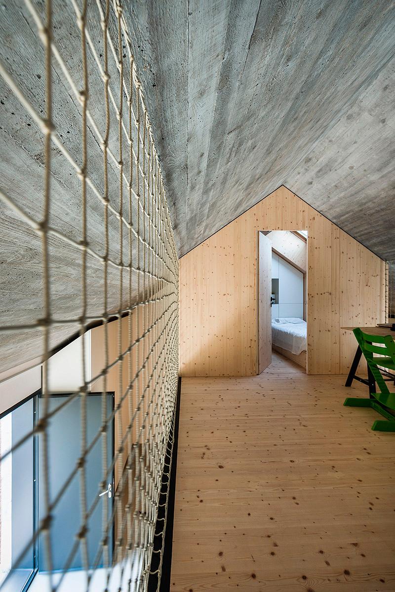 casa-compacta-dekleva-gregoric-arhitekti (16)