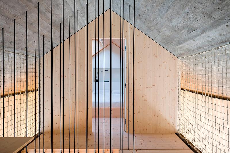 casa-compacta-dekleva-gregoric-arhitekti (19)