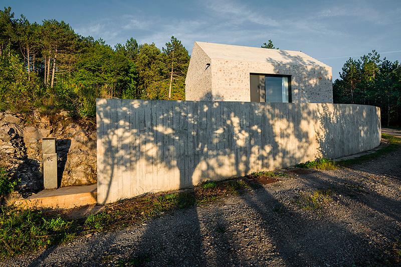 casa-compacta-dekleva-gregoric-arhitekti (26)