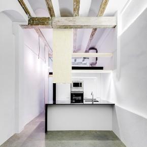 Reforma integral de un mini loft en El Cabanyal, por Cédric Bastin