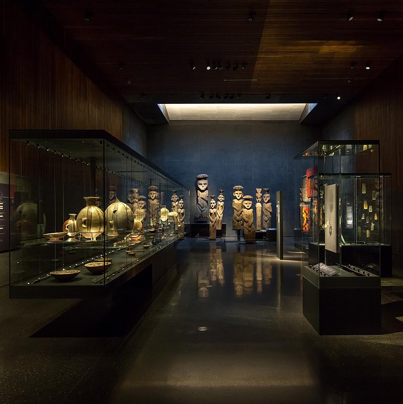 10-Chilean-Museum-of-Pre-ColumbianArt-by-Limarí-Lighting-Design-©Aryeh-Kornfeld