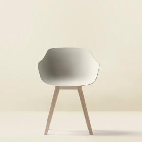 Kuskoa Bi: Jean Louis Iratzoki y Alki crean la primera silla de bioplástico
