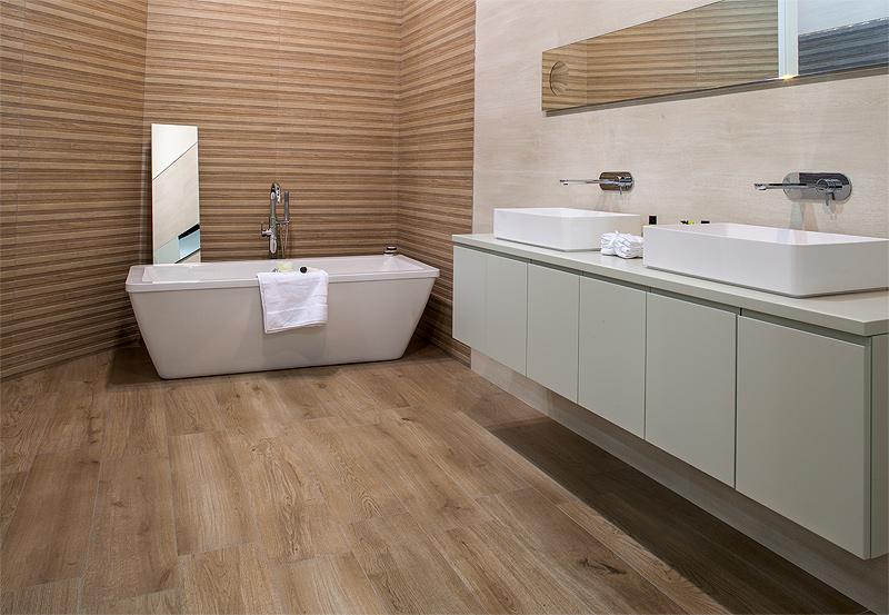 Keraben reproduce la madera natural en la serie madeira - Azulejos imitacion madera ...