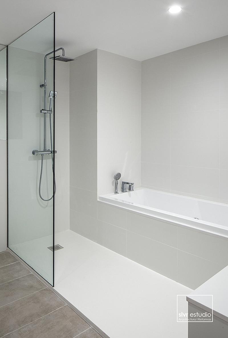 Meer dan 1000 afbeeldingen over badkamer en sanitair op pinterest badkuipen toiletten en - Integrale badkamer ...