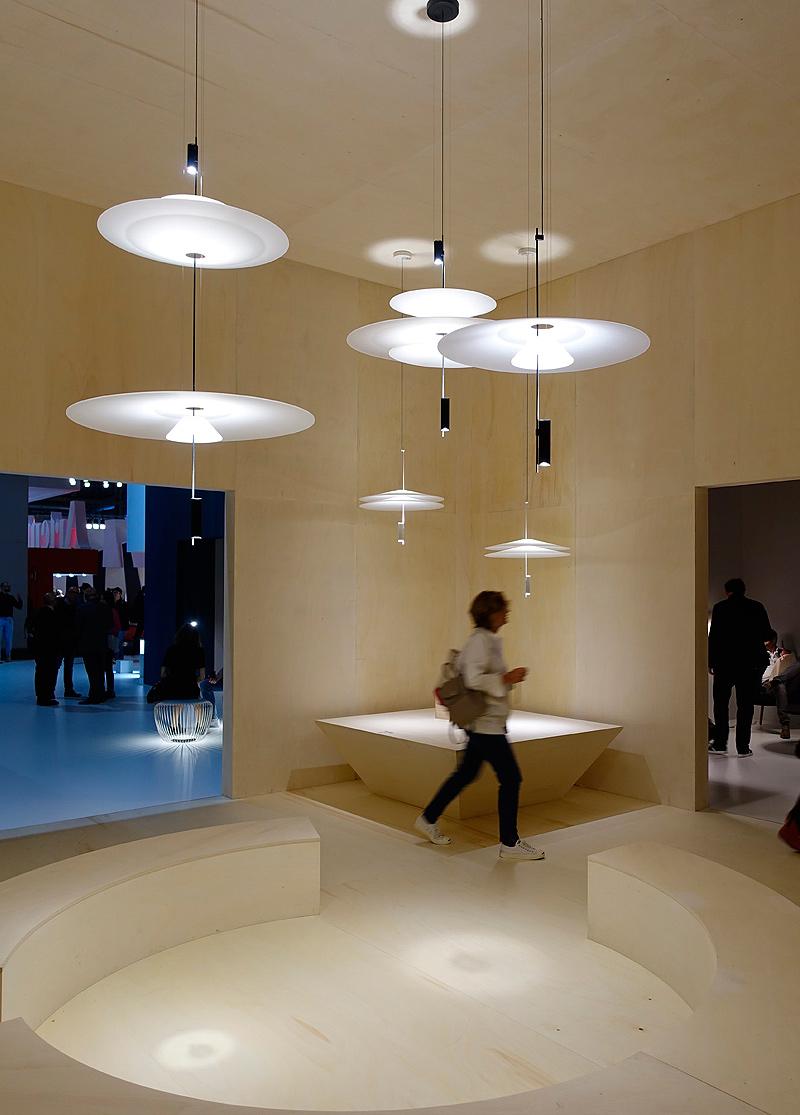 antoni arola presenta una nueva forma de proyectar la luz. Black Bedroom Furniture Sets. Home Design Ideas