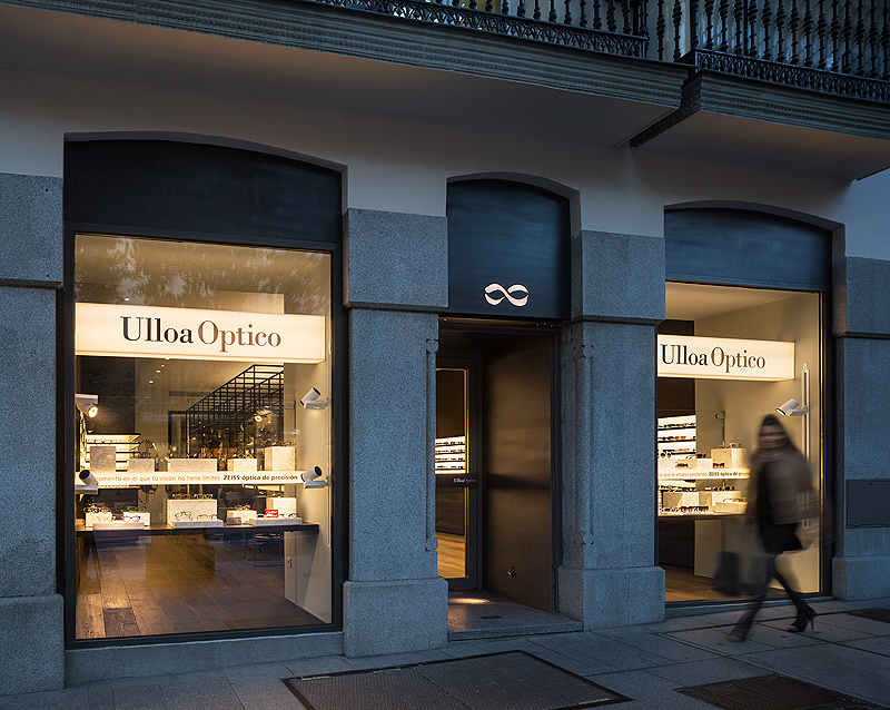 Isabel López Vilalta diseña una de los locales de Ulloa Óptico