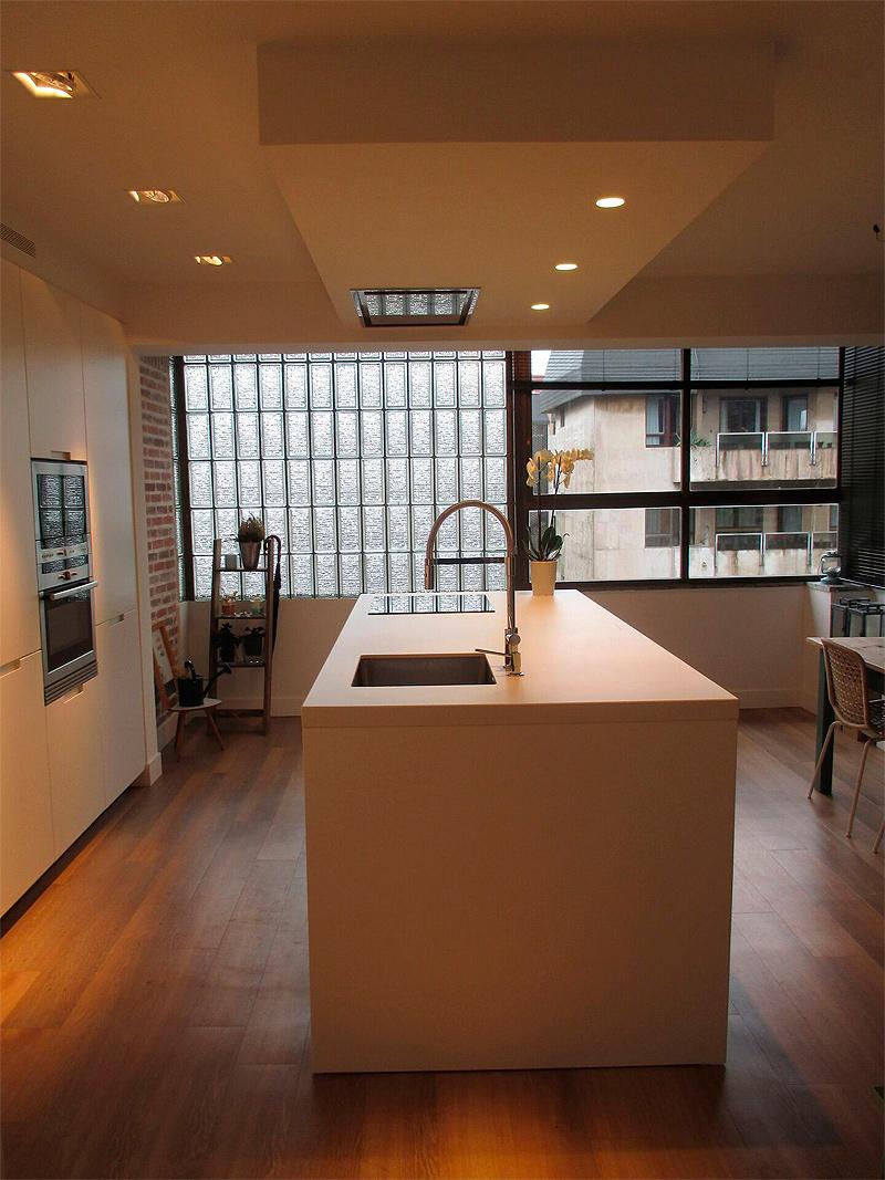 Cocinas Santos Bilbao | Una Cocina Con Isla Por Santos Estudio Bilbao