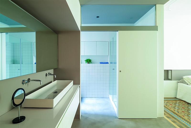 Reforma de un piso en el eixample por nook architects for Bagno y compania