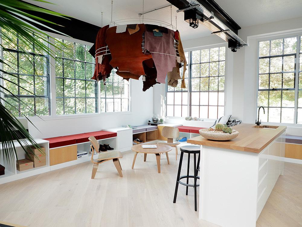 Arro studio proyecta el estudio de dise o de clarks originals for Gg studios interior design